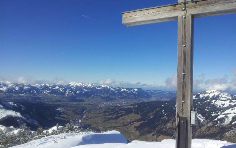 Blick ins Ostrachtal vom Gipfelkreuz Ornach | Haus Alpenblick in Oberjoch